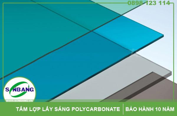 tấm lợp polycarbonate làm giếng trời