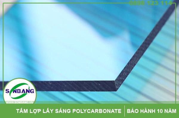 tấm lấy sáng đặc ruột polycarbonate